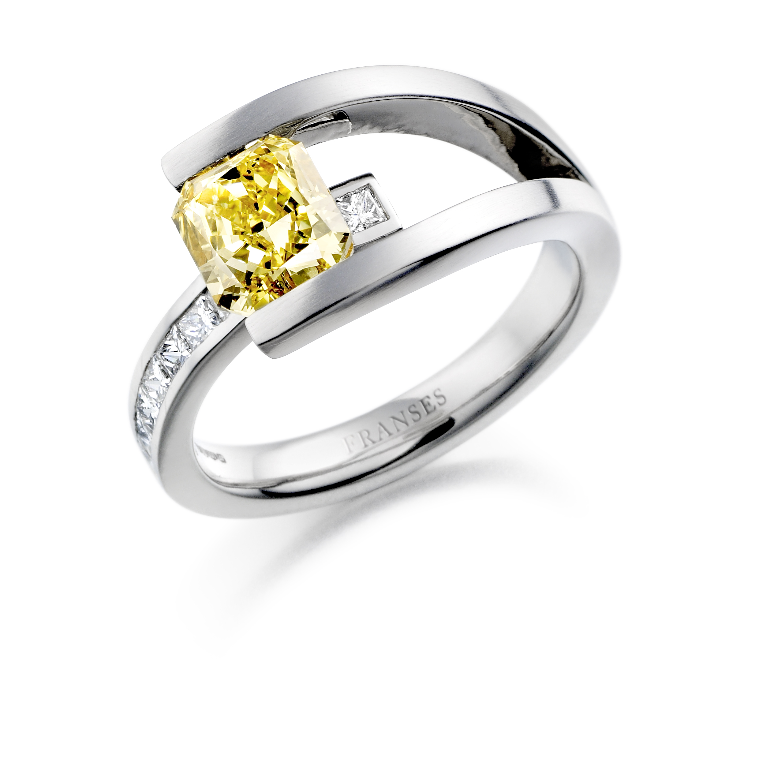 James' Manhattan ring